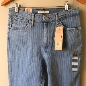 NWT Levi's 724 High Rise Straight Cropped Size30